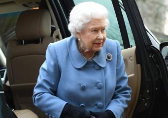 Королева Елизавета II призвала британцев прекратить разногласия из-за Брекзита