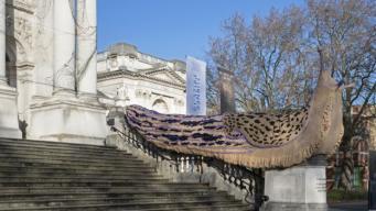 Огромные «улитки» атаковали Tate Britain