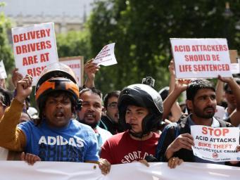 Наказание за кислотные атаки будет ужесточено в Великобритании фото:independent