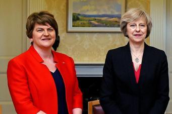 Кто такие DUP, и почему британцы возмущены новой коалицией правительства консерваторов