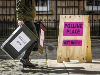 Британских избирателей обяжут предъявлять удостоверение личности на выборах фото:indepent.co.uk
