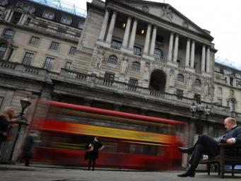 Банк Англии сохранил в силе рекордно низкую базовую процентную ставку фото:independent.co.uk