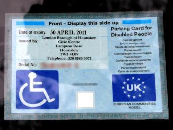 В Великобритании отмечен всплеск краж инвалидных бейджей