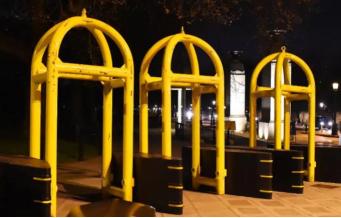 Новые массивные ограждения установлены у Букингемского дворца