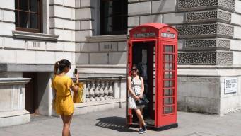Управы Лондона борются с «троянскими» телефонными будками