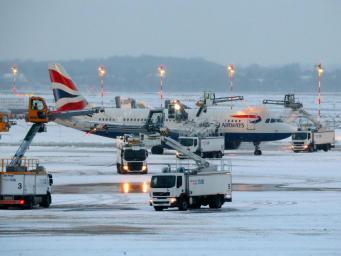 British Airways отменила или отложила двести рейсов из-за снегопада