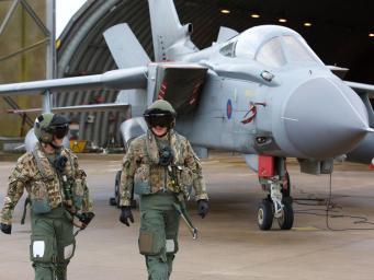 Палата общин намерена ограничить возможности премьер-министра вступать в войну