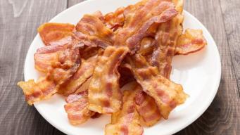 Ломтик бекона на завтрак увеличивает риск развития рака, - британские ученые