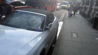 Лондонцы возмущены штрафными квитанциями на машинах, оставленных в Боро-Маркет фото:bbc