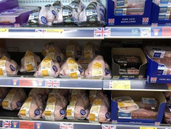 Британские супермаркеты фальсифицируют происхождение курятины на своих прилавках