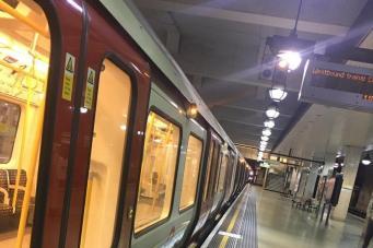 Сбои в автоматике привели к остановке движения на трех линиях лондонского метро