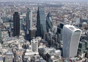 Топ-менеджерам британских компаний придется обосновывать свои астрономические зарплаты
