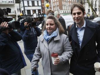 Гетеросексуальным парам отказано в праве на статус гражданского партнерства фото:independent.co.uk