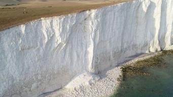 Пляж Birling Gap закрыт из-за обрушения утеса