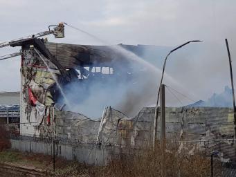 Пожар на складе индивидуального хранения в Кройдоне уничтожил имущество сотен лондонцев