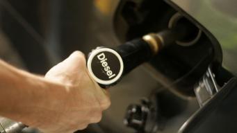 Цены на автомобильное топливо в Великобритании достигли максимума за полтора года фото:skynews