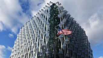 Посольство США порекомендовало американцам «сидеть тихо» во время визита Трампа в UK