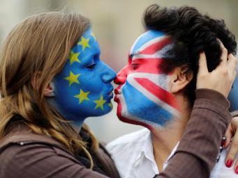 Граждане ЕС потеряют право жить в Великобритании в случае длительного отъезда на материк фото:independent