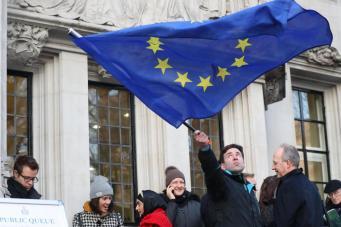 Европейские трудовые мигранты начали массовый исход из Великобритании фото:standard.co.uk