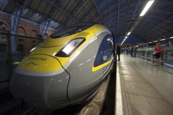 Поезд Eurostar из Франции задержался на шесть часов из-за пьяных британцев фото:standard.co.uk