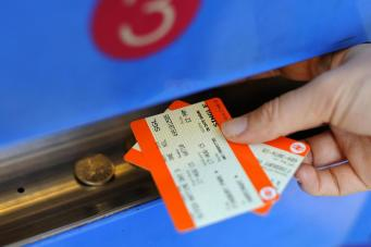 Жительница Кардиффа оштрафована на 600 фунтов за четырехминутную поезду «зайцем» фото:standard.co.uk