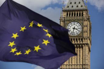 Британцы не верят в способность Терезы Мэй выйти победителем из Брекзита