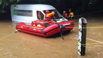 Корнуолл затопило из-за непрочищенных ливневок фото:bbc