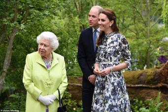 Королевская семья посетила Chelsea Flower Show