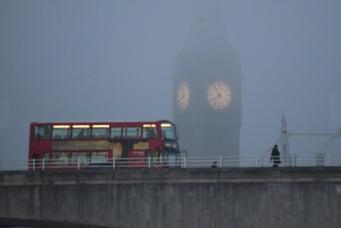 Густой туман накрыл большую часть Англии фото:standard.co.uk