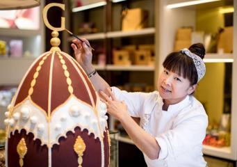 Godiva представила в Лондоне дизайнерские шоколадные яйца