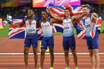 Британская сборная выиграла три медали за один вечер  Чемпионата мира