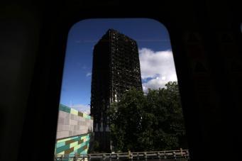 Мошенники воспользовались трагедией в лондонской высотке Grenfell Tower в преступных целях фото:independent