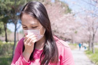 «Ботаническая бомба» угрожает здоровью британских аллергиков