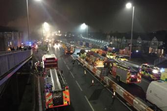 В Восточном Лондоне произошел взрыв в многоквартирном доме