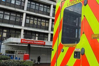 Больницы NHS в Лондоне предупреждают о дефиците мест фото:standard.co/uk