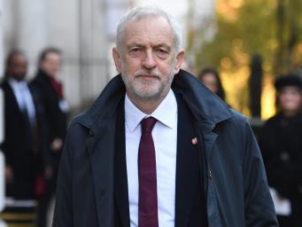 Джереми Корбин призвал к проведению досрочных парламентских выборов