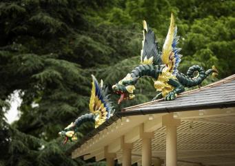 В ботанический сад Кью Гарденс вернулись китайские драконы
