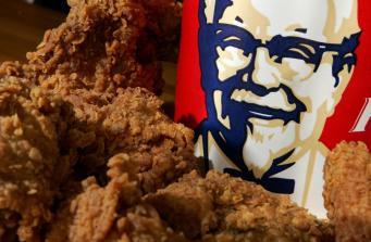 В британских заведениях KFC кончилась курятина