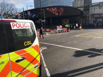 Подозрительный автомобиль стал причиной эвакуации людей со станции London Bridge фото:independent