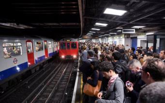 График движения поездов сбился на четырех линиях лондонского метро