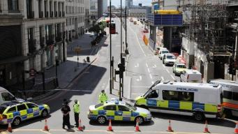 Безоружные лондонцы оказали отчаянное сопротивление террористам в Боро-Маркет