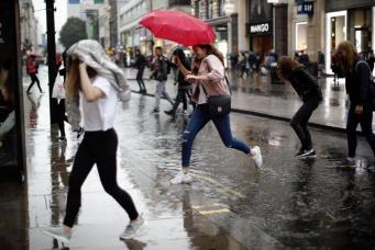 Великобританию накроет «хвостом» урагана Герт фото:standard.co.uk