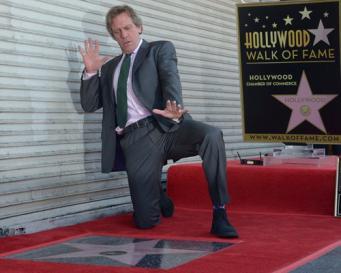 Хью Лори удостоился персональной звезды на Аллее Славы в Голливуде фото:twitter