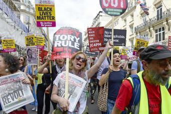 В Лондоне прошел марш против политики бюджетных сокращений фото:standard.co.uk