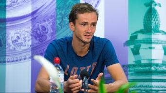 Российский теннисист оштрафован за неспортивное поведение на Уимблдонском турнире