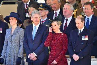 Королевская семья посетила открытие памятника британцам, воевавшим в Ираке и Афганистане фото:dailymail