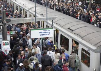 Поезда лондонского метро на линиях District и Circle встали из-за сбоя автоматики