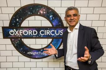 Ночное метро Лондона отметит первую годовщину работы фото:standard.co.uk