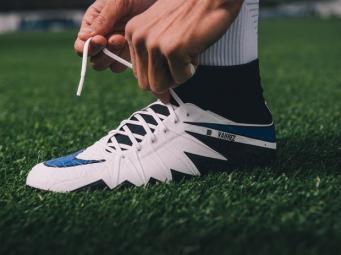 Nike выпустит новые бутсы в честь триумфа Leicester City фото:metro.co.uk