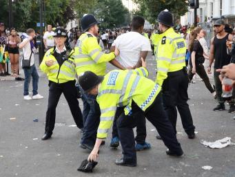 Полисмены потребовали запретить карнавалы в Ноттинг-Хиилле